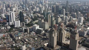 В Таиланде намерены взыскать $348 миллионов с экс-премьера Чинавата