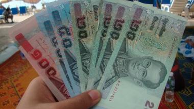 Продолжается рост курса бата по отношению к американскому доллару